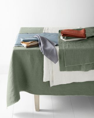 Relaxed-Linen Table Collection
