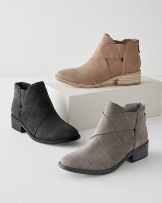 EILEEN FISHER Kay Ankle Boots