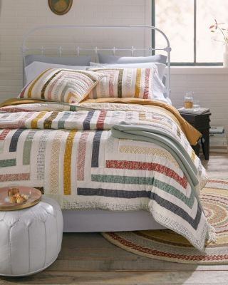 Naomi Log Cabin Cotton Quilt