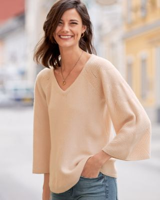 Shell-Stitch Bell-Sleeve Cashmere Sweater