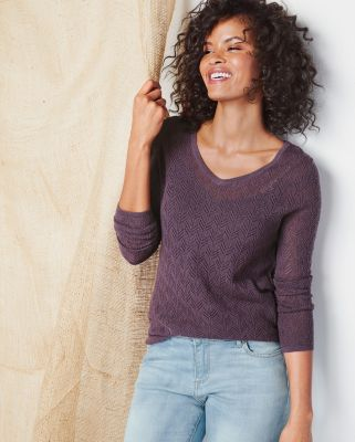 Lightweight Cashmere V-Neck Sweater