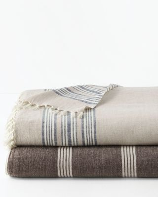 Artisanal Linen Throw With Fringe